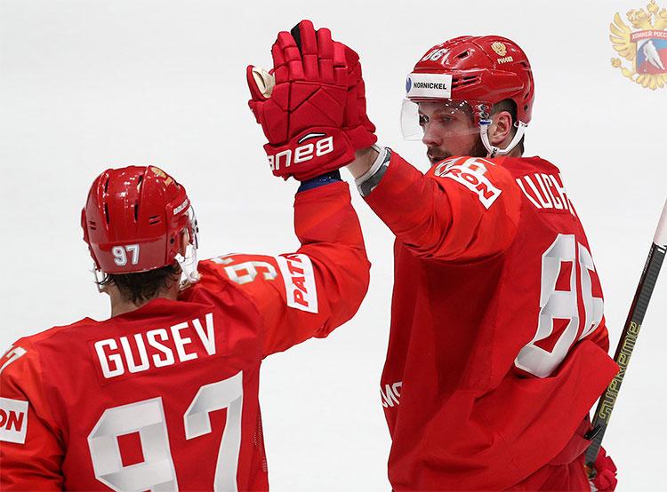 Сборные Чехии и России победили соперников в стартовых матчах чемпионата мира по хоккею. Российские хоккеисты во время стартового матча ЧМ-2019 с Норвегией. Фото fhr.ru  10 мая 2019 года