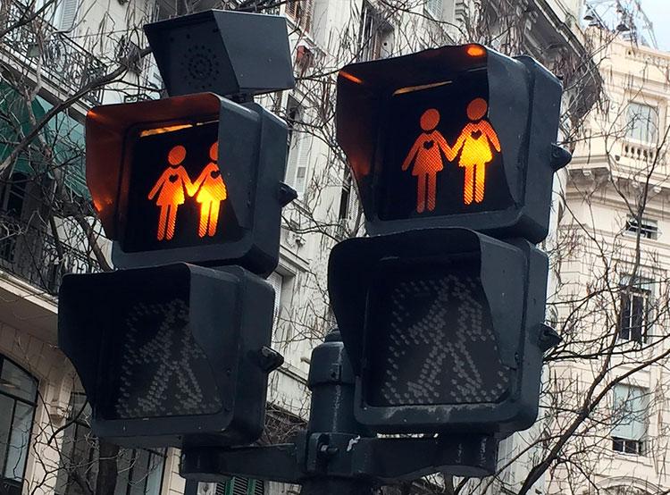 Чехи рассказали об отношении к сексуальным меньшинствам и их правах. Чехи рассказали о своем отношении к правам секс-меньшинств. Фото chiguy66 с сайта Pixabay   7 июня 2019