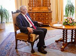 Земан приедет в Москву на празднование следующего 9 Мая.  Президент Чехии Милош Земан.  Фото: Správa Pražského hradu.  24 июня 2019