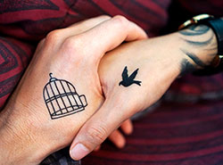 Чехи хорошо относятся к татуировкам, но не у врачей и юристов.  Большинство чехов положительно относятся к татуировкам. Image by TheDigitalWay from Pixabay .  28 июля 2019